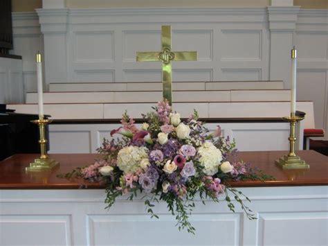 Wedding Ceremony Flowers Church by Best 25 Altar Flowers Ideas On Delphinium