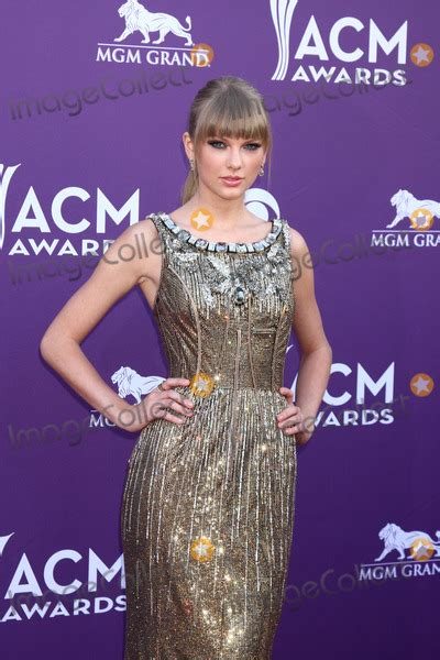 country music awards 2013 best album photos and pictures las vegas mar 7 taylor swift