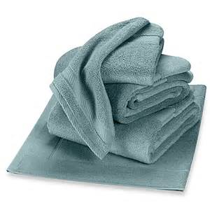 wamsutta bath towels buy wamsutta 174 duet fingertip towel from bed bath beyond
