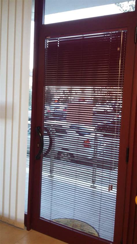 tenda a pacchetto per porta finestra cool veneziana per ucbuerif with tenda per porta finestra
