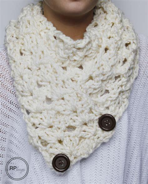 cozy button crochet scarf allfreecrochet