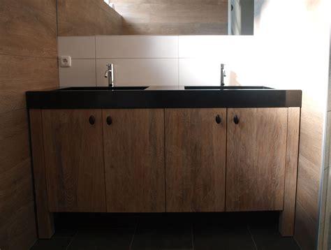 eiken badkamermeubel onderhoud we maakten dit old look massief eiken badkamermeubel met