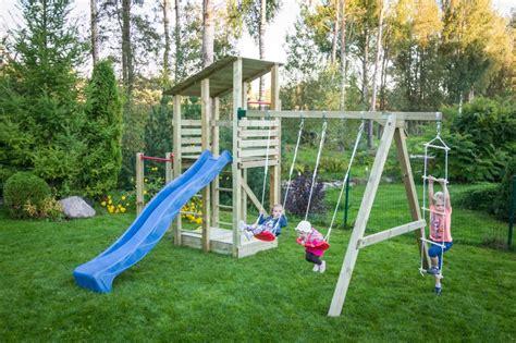 altalena e scivolo da giardino altalena con scivolo e giochi da giardino per bambini in