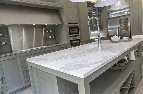Porcelain slab countertops: light and durable   Decor