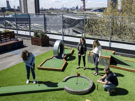 crazy golf  london   mini  crazy golf courses