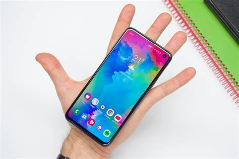 The Samsung Galaxy S10e by Samsung Galaxy S10e Review Phonearena