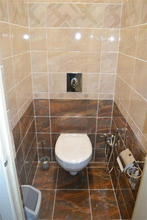 Отделка туалета в квартире обоями фото
