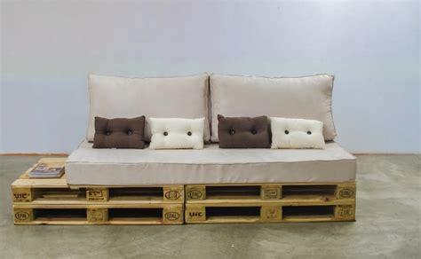 pallet settee sofa pallet brokeasshome com