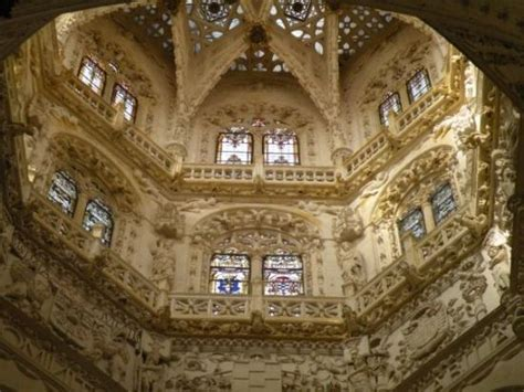 hochzeitstorte innen burgos cathedral
