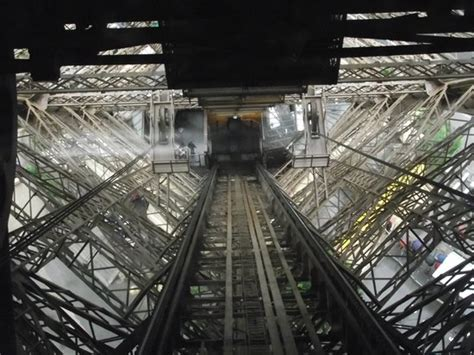 eiffel tower interior interior da torre eiffel picture of eiffel tower paris