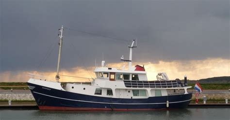 liveaboard boats for sale ontario trawler yachts used trawler yachts for sale vehigle