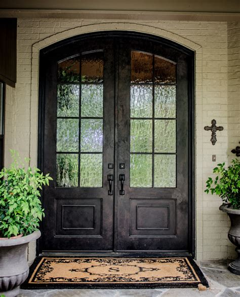 Exterior Doors Dallas New Doors And Spaces Traditional Exterior Dallas By Raulston Interior Designs