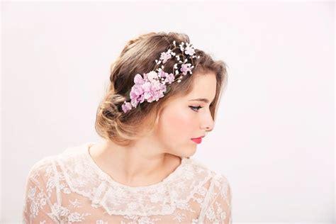 Flower Crown Mahkota Bridal Bando Bunga Wedding Df White atau rambut mahkota kepalamu akan terlihat menawan dengan 12 inspirasi flower crown ini