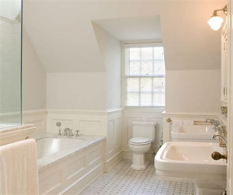 Wainscoting Bathroom Pictures by 204 Best Wainscoting Styles Images On Wall