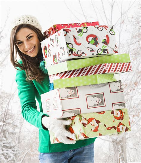 Enter To Win Christmas Money - christmas sweepstakes and other winter holiday contests