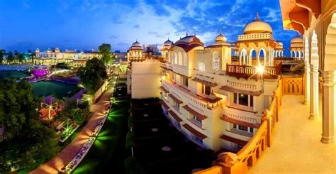 hotels  jaipur  experiencing  princely stay