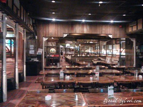 phillips seafood restaurant buffet is fresh and tasty