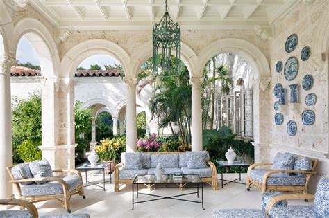 color   lines book review palm beach chic
