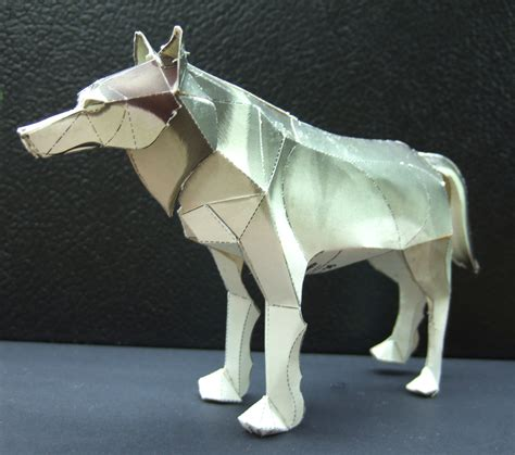 Wolf Origami - timber wolf papercraft artificial intelligence