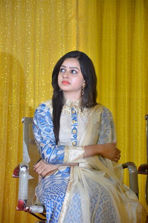 actress divya sumangali picture 1252657 sumangali serial actress divya press