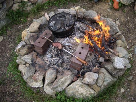 lagerfeuerstelle bauen lagerfeuerstelle selber bauen vivaverde co