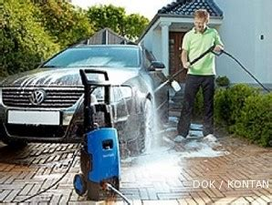 Mesin Pembersih Lantai Krisbow cuci mobil sendiri dengan mesin bertekanan tinggi