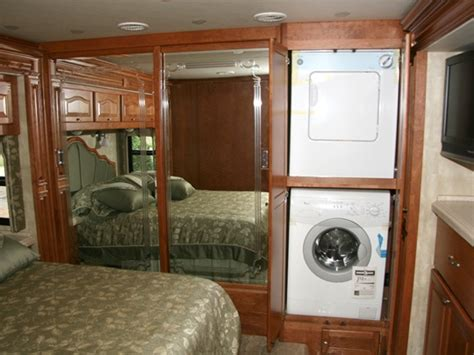 Rv Closet Doors by Rv Bedroom With Washer Dryer In A Closet In The Bedroom