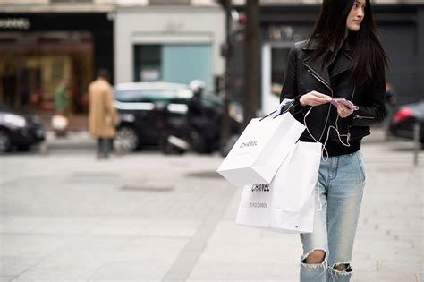 Look Chic While Grocery Shopping by Mistakes You Make When Shopping And How To Avoid Them