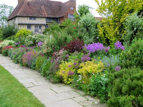 english garden the gardener s eye the best of english gardens 2015
