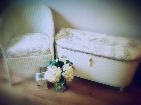 shabby chic chair and ottoman 1000 images about vintage belongings our furnishings on