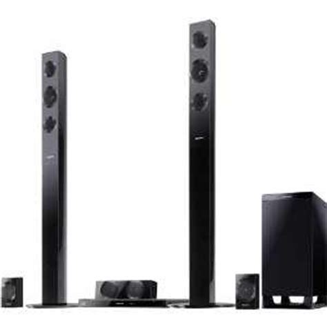 what s the difference between a soundbar speaker system