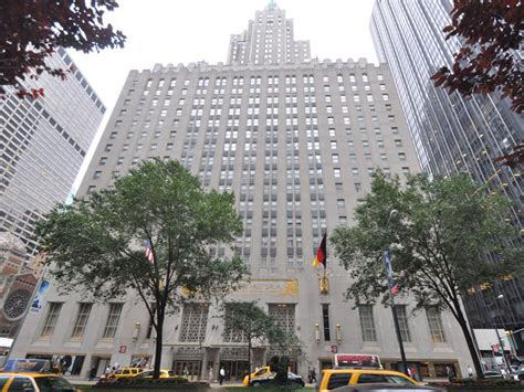 Luxury Estate Plans hilton to sell waldorf astoria hotel for 1 95b crain s