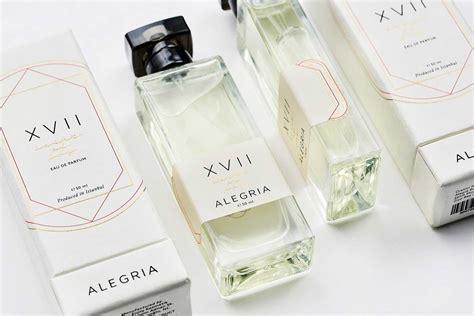 desain kemasan yang bagus 30 contoh desain kemasan produk kecantikan yang bagus