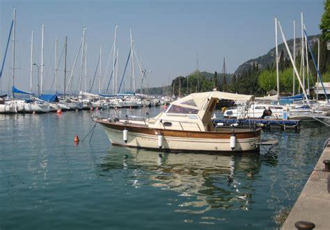 motorboot mieten gardasee ratgeber de die - Motorboot Italien