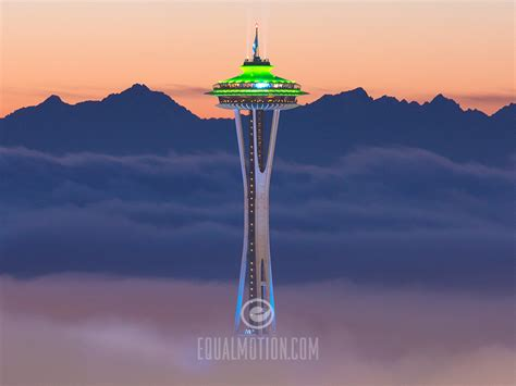 Desk Top Photos by Space Needle Foggy Sunset Phone And Desktop Wallpapers