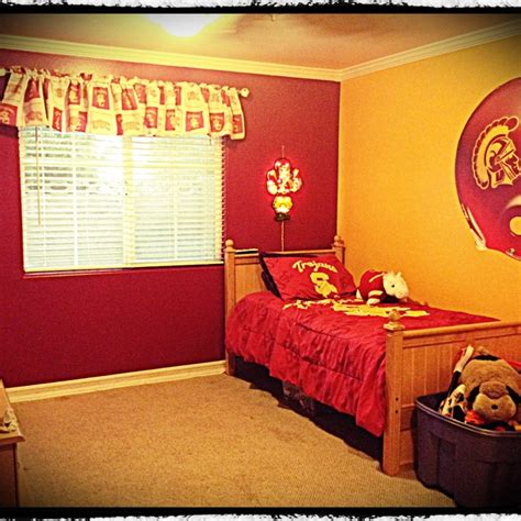 decorate your room back to school style how to decorate your dorm room on a