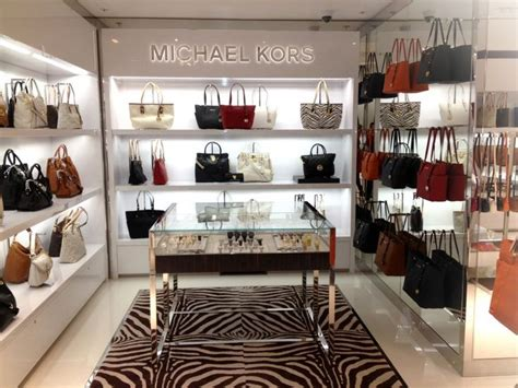 From Ad To Elux Lv Shoe Horror by Michael Kors 3 Asl Architects 1000x750 Jpg 1 000 215 750
