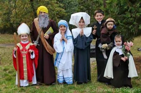 disfraz de santo de pspel as 237 es holywins disfraces caramelos frases de santos