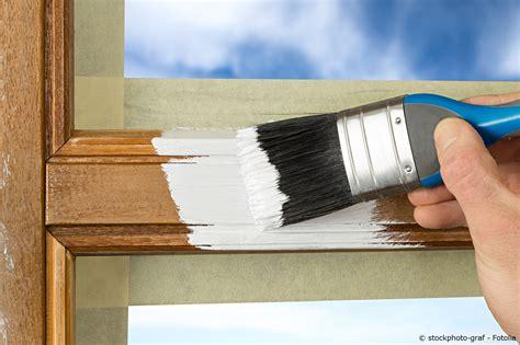 Fensterrahmen Abschleifen Lackieren by Sch 246 Nheitsreparaturen Streichen T 252 R Und