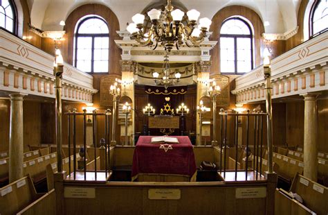 interior layout of a synagogue jewish east end of london walking the east end of london