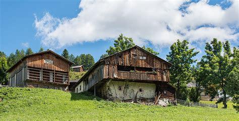 la casa della ladina antiche usanze e tradizioni in alta val badia