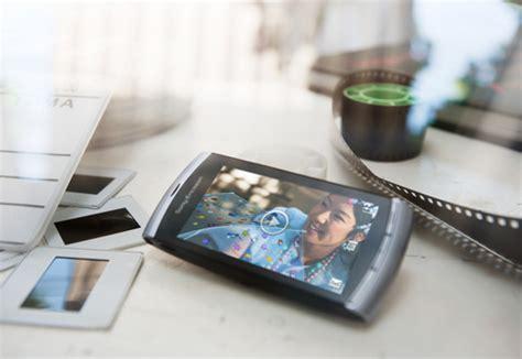 Handphone Sony Ericsson Vivaz mobile phone jorymon