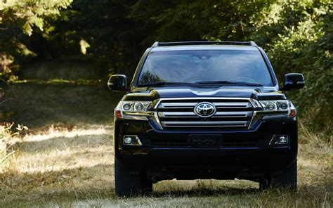 Toyota Sequoia Vs Toyota Land Cruiser Comparison Toyota Sequoia Limited 2018 Vs Toyota