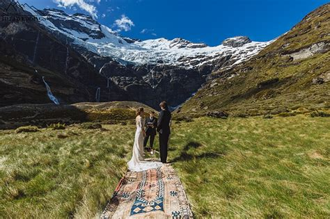earnslaw burn heli wedding queenstown destination wedding nz