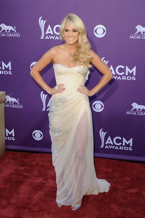 Dm Gv Dress Helena Helena carrie underwood strapless dress carrie underwood looks stylebistro