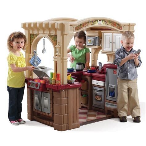 step 2 playground toys r us grand walk in kitchen grill play kitchen step2