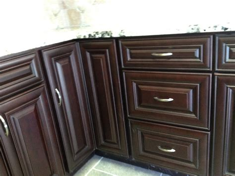 merlot kitchen cabinets cw merlot kitchen cabinet pictures