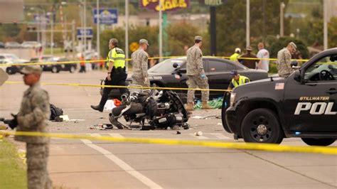 Berlin Auto Rast In Menge by Auto Rast In Zuschauermenge In Oklahoma Vier Tote B Z