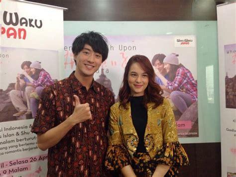 film chelsea islan dan shu watanabe kompak pakai batik chelsea islan dan shu watanabe promo