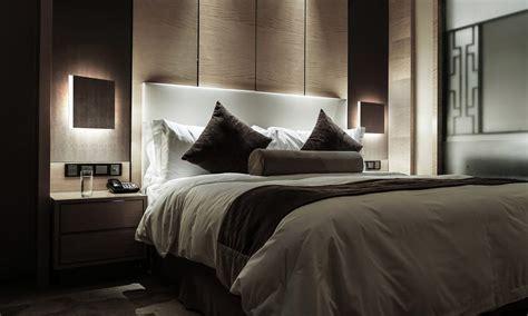 parete da letto lade da comodino